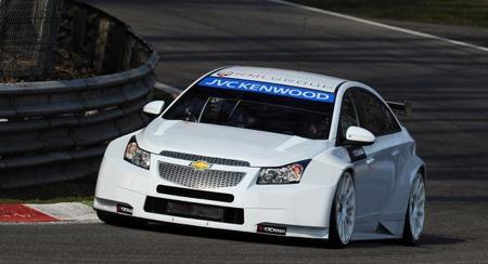 RML ya rueda con su Chevrolet Cruze para 2014