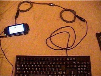 Conectan un teclado USB en la PSP