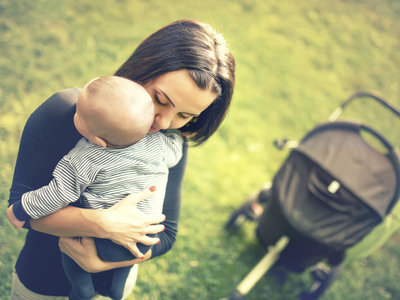 Las mujeres que dan a luz en invierno y primavera podrían tener menor riesgo de padecer depresión postparto