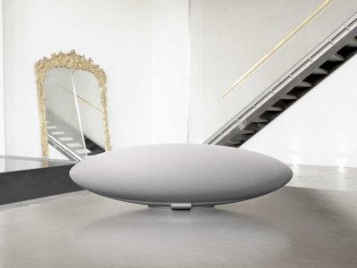 Bowers & Wilkins amplía su catálogo y lanza el altavoz inalámbrico White Zeppelin