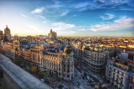 Madrid aprueba ayudas a la compra de coches: hasta 8.500 euros para los eléctricos yhasta 2.500 euros para los gasolina y diésel