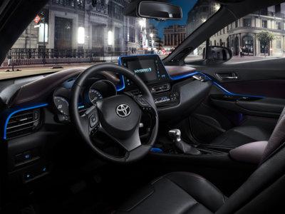 ¿Por qué el negro es el color más elegido para el interior de tu coche?