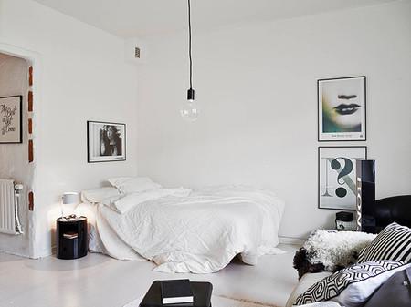 Dormitorio en blanco y negro