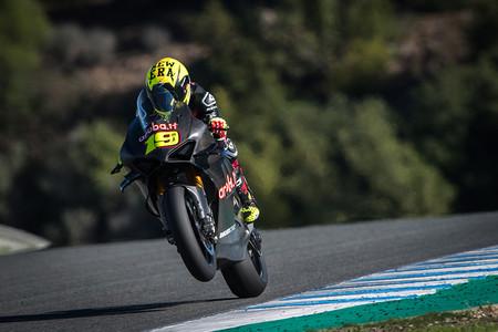 """Álvaro Bautista analiza la Ducati Panigale V4 R: """"Tenemos ritmo pero hay margen de mejora"""""""