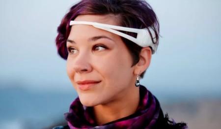 Este increíble sistema basado en un EEG y un móvil permite traducir el pensamiento en habla