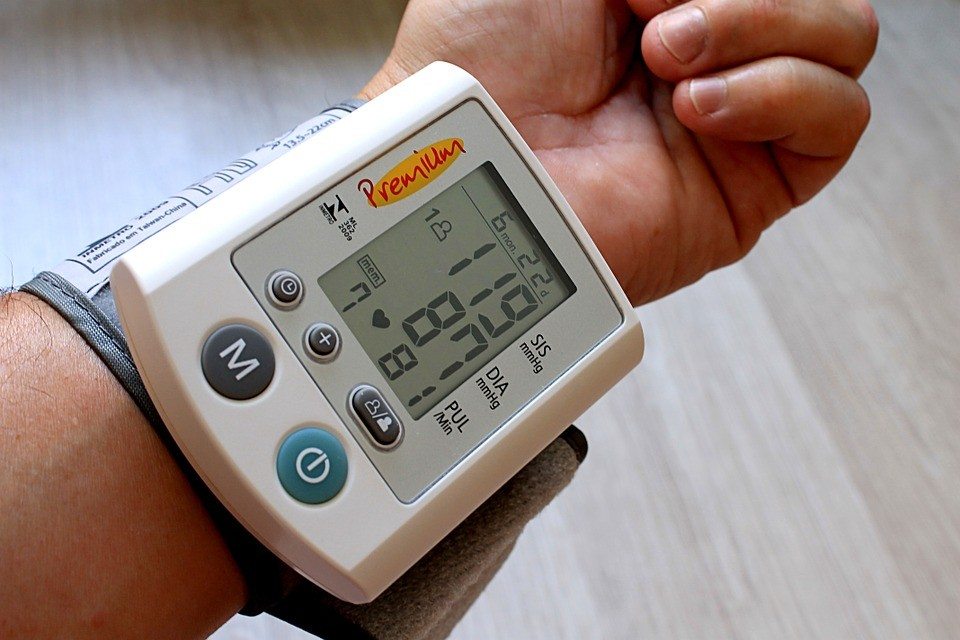 ¿Qué pasa si la cantidad máxima de presión arterial es alta?