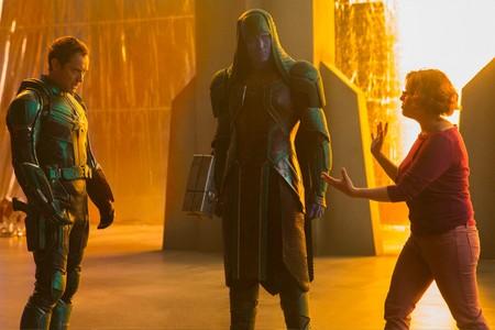 Anna Boden en el rodaje de Capitana Marvel