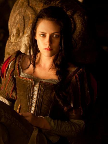 Kristen Stewart se lo lleva bien calentito a casa, saludad a la actriz mejor pagada
