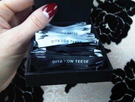 Dita Von Teese lanza nueva línea de ropa (¿has visto las cifras de la Beckham querida?)