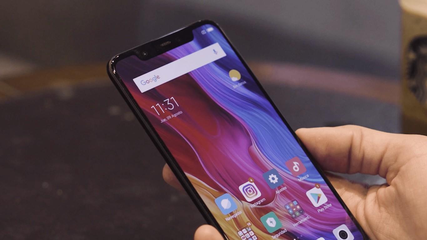 Xiaomi Mi 8, tras un mes de uso: así se lidera la gama alta de los 500 €