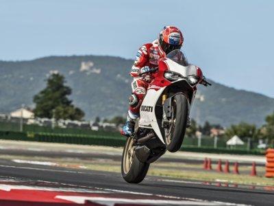 205 CV para 164 kg y sólo 500 unidades, así es la impresionante Ducati 1299 Panigale S Anniversario