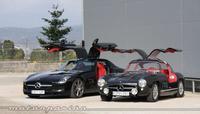 Juntamos un Mercedes 300 SL y el Mercedes SLS AMG: cuando el abuelo conoce a su nieto