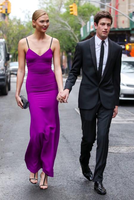 Karlie Kloss Con Vestido Victoria Beckham