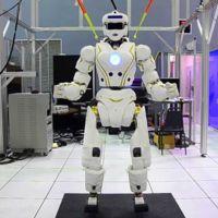 """El MIT ayudará a la NASA a hacer que los robots R5 """"Valkyrie"""" exploren Marte... y el espacio"""