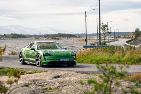 Porsche Taycan carga 800 voltios