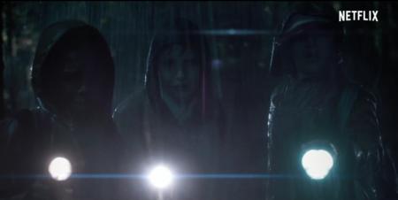 Netflix muestra en el tráiler de 'Stranger Things' un interesante homenaje al thriller sobrenatural de los 80
