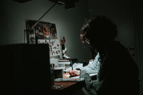 Lo que le sucede a tu cuerpo cuando trabajas en el turno de noche y duermes de día