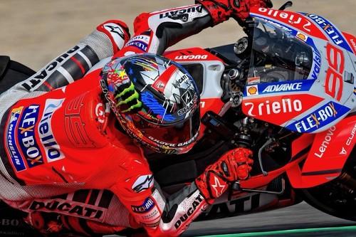 Jorge Lorenzo domina el primer día del GP de Catalunya ante el desastre de Marc Márquez