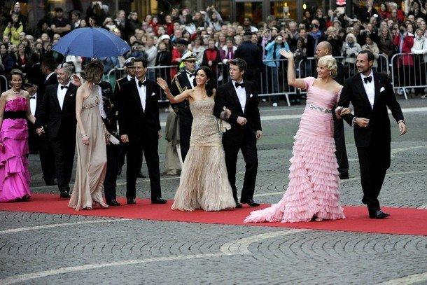 Boda de la Princesa Victoria de Suecia: Varios