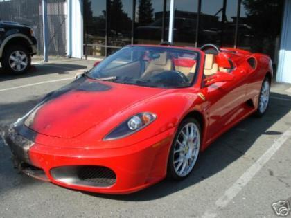 Terrorpasión: Arden se mete a preparar Ferraris