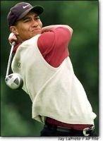 Tiger Woods molesto por el ruido de los móviles