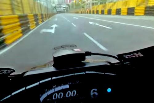 Paredes, vallas y motos a casi 300 km/h. Así de aterrador es el GP de Macao desde dentro