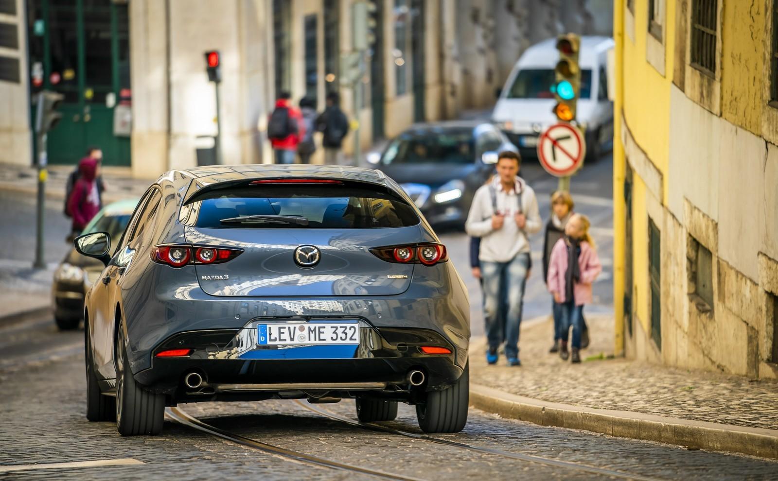 Foto de Mazda3 2019 (27/128)