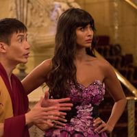 "Jameela Jamil (The Good Place) revela que fue considerada ""demasiado vieja, étnica y gorda"" para ser actriz en Hollywood"