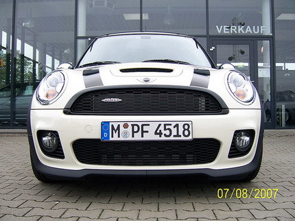 Un vistazo al Mini Cooper S con el kit John Cooper Works