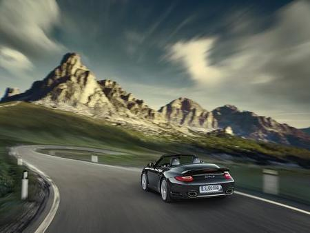 Porsche 911 Turbo-02