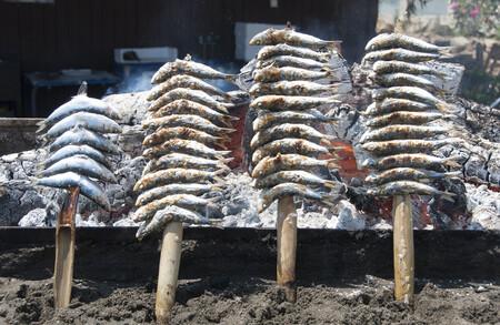 Dónde comerse los mejores espetos de sardinas de Málaga (y de la Costa del Sol)