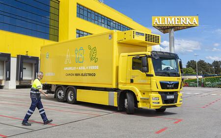 Este camión 100% eléctrico ya reparte alimentos frescos en los supermercados de Asturias