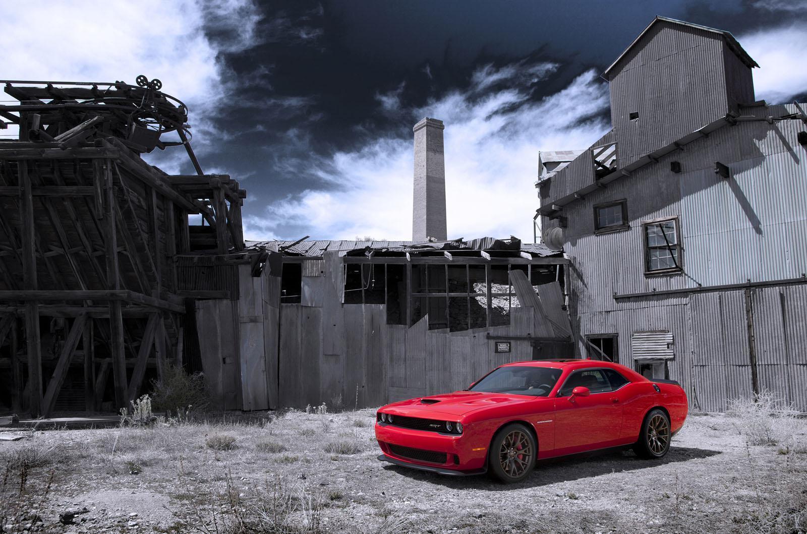 Foto de 2015 Dodge Challenger SRT Hellcat (2/26)
