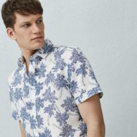 Camisa de estampado tropical