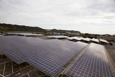 Renault inaugura en Francia las placas fotovoltaicas de sus factorías: 400.000 m² en total
