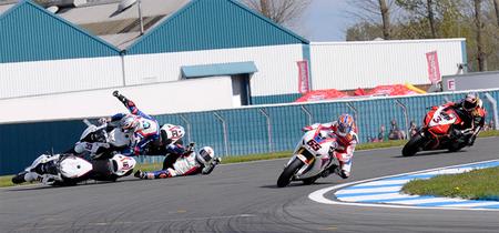 Superbikes Europa 2012: la avaricia de Melandri y la inocencia de Haslam dan la victoria a Johnny Rea