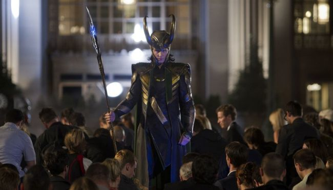 Tom Hiddleston es Loki, el villano de Los Vengadores