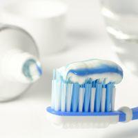 Una niña de 11 años muere por una reacción alérgica a la pasta de dientes