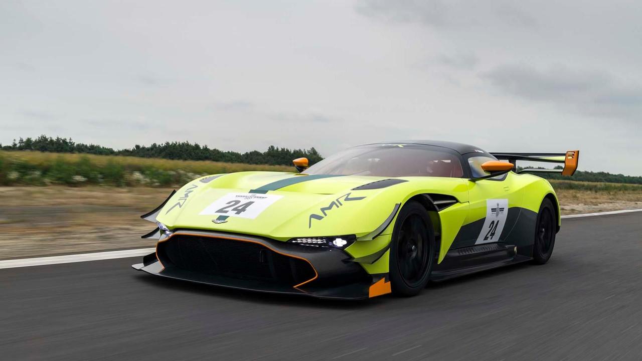 Foto de Aston Martin Vulcan AMR Pro (16/18)