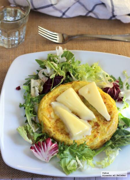 Tortilla de calabacín y queso brie