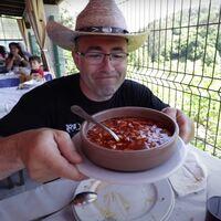Chuletones de 2,4 kilos: el youtuber que reivindica la cocina española comiendo a lo bestia