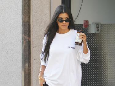 ¿Frío o calor? Kourtney Kardashian juega al despiste en su último look de street style