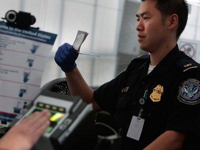 Entrar en EE.UU. se pone cada vez más difícil: podrías tener que desvelar tus contraseñas online