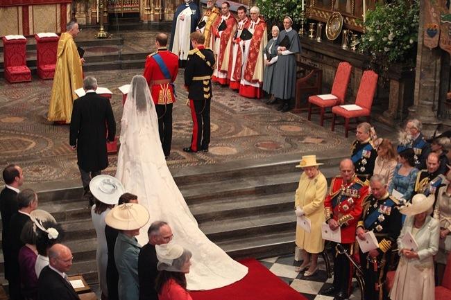 Foto de Todas las imágenes del príncipe Guillermo y Kate Middleton en el altar (4/12)