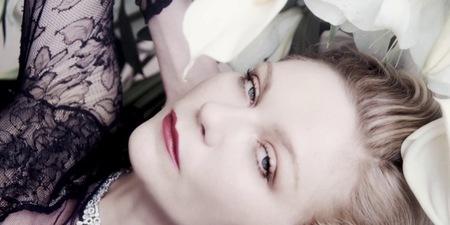 Kirsten Dunst, un jazmín negro divino para Bulgari