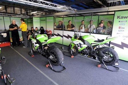 WSBK Monza 2008 kawasaki box