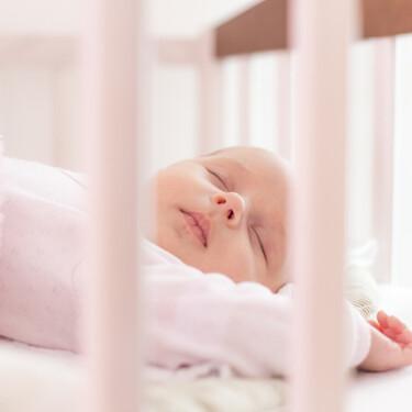 Es normal que el patrón de sueño de los bebés sea inconsistente durante los primeros años: estudio