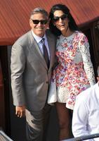 Pero qué par de tortolitos están hechos George Clooney y Amal Alamuddin