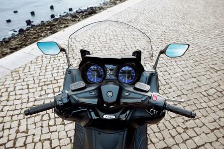Yamaha Tmax 2017 008