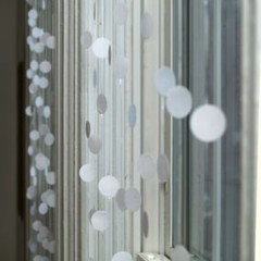 Foto 2 de 5 de la galería una-cortina-con-pegatinas en Decoesfera